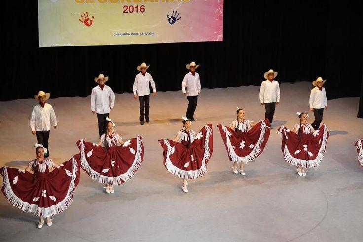 Participan estudiantes de Secundaria en Concurso Regional de Danza Autóctona y Baile Folclórico | El Puntero