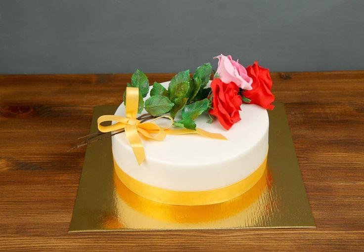 """Торт """"Букет роз - 1""""  Букет цветов, приятный жест для женщины от мужчины. Есть множество восхитительных цветов, но если ваш родной и любимый человечек любит розы, то мы рады представить вашему вниманию торт #букетроз. Теперь можно сделать приятное не только благодаря букету, а так же и волшебно-вкусным тортом в нашем исполнении!😍  Изготовление тортика как на фото возможно от 2-х кг и всего 2350₽/кг  Специалисты #Абелло готовы помочь с выбором красивого и качественного десерта по любому…"""