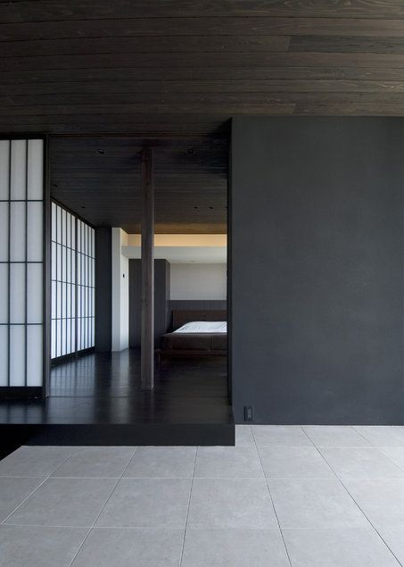 House in Kamakurayama | Koji Hatano Japenese inspired matt dark timber shoji screens