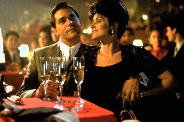 Goodfellas :: Ray Liotta, Lorraine Bracco as Henry Hill, Karen Hill