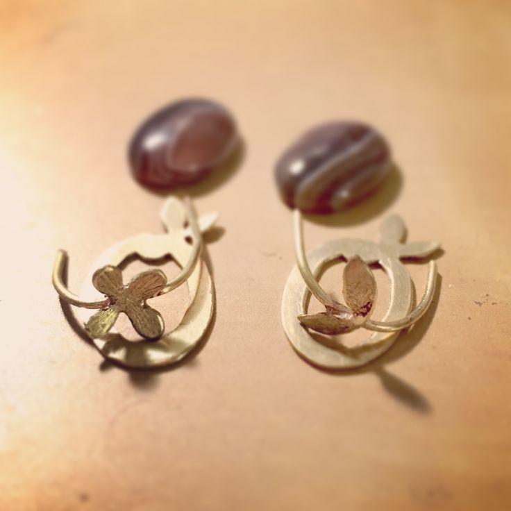 Making cabochon earrings