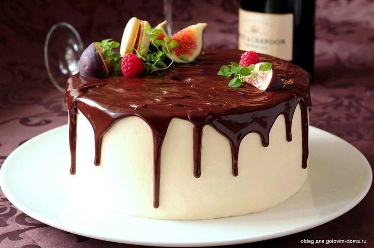 Шоколадный торт с клубничным и лимоным кремом