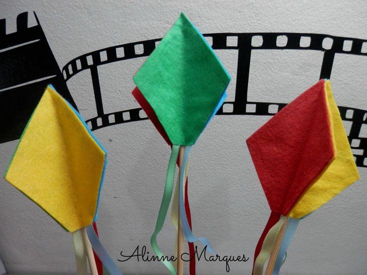 Aqui nesse vídeo mostro como fiz esse balãozinho fofo para decoração de festa junina. Inspirem-se!