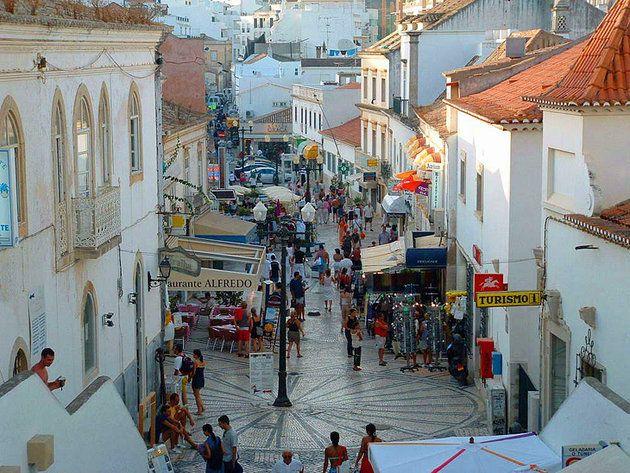 Albufeira shopping district