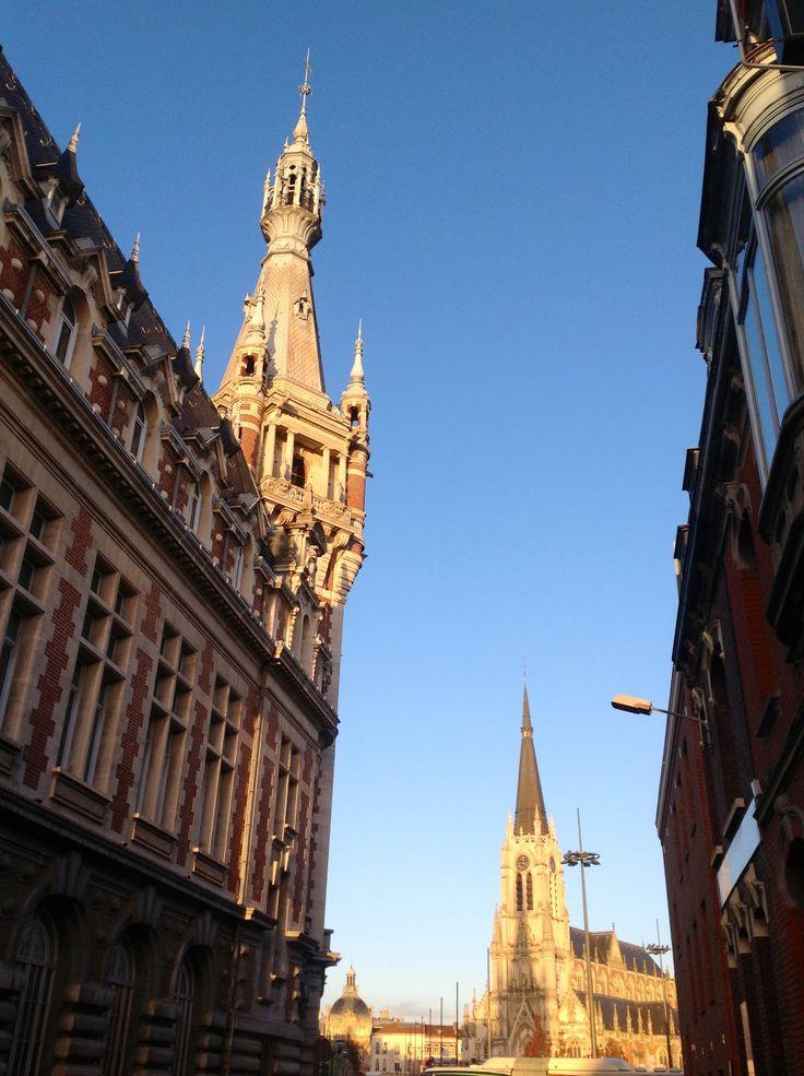 Perspectives. Chambre de commerce avec vue sur St Christophe. Centre-ville de Tourcoing.