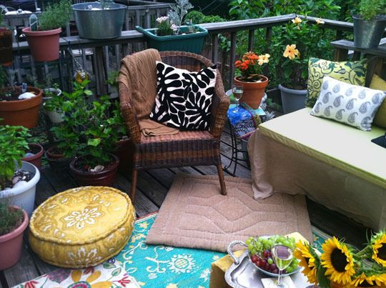 adding pizzaz to your yard with outdoor rugs and pillows outdoorrugs - Outdoor Rugs For Patios