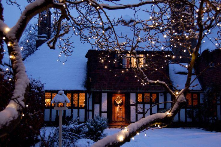 Thatched cottage, cobham Surrey