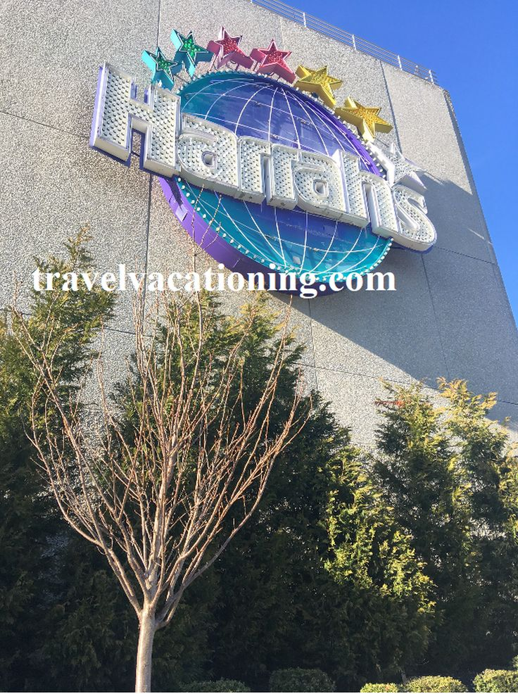 Harrahs - One of Atlantic  City's  very upscale hotel. Hotel stays  are very  affordable around the winter time during Spring break. Amenities include indoor pool. A club is available for those on the club scene.  #harrahs #atlanticcityhotels #hotelswithindoorpool