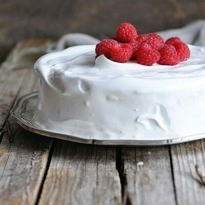 """5 отметок «Нравится», 1 комментариев — 🍰🍩🍗🍕Простые Рецепты/Кулинария (@povar_bloger) в Instagram: «Торт три молока.  Один из моих любимых - трес лечес. В переводе с испанского - """"три молока"""", так…»"""