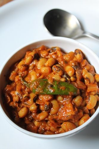 YUMMY TUMMY: Punjabi Lobia Masala Recipe / Black Eyed Peas Masala Curry Recipe