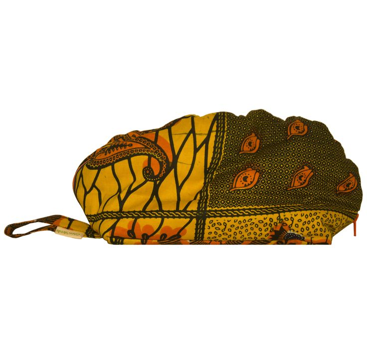 Beautiful wristlet Quibala. Named after a municipality in Cuanza Sul, Angola.  More info http://cocoverde.net