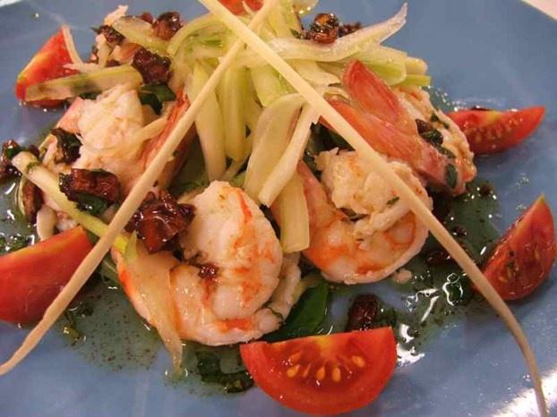 Insalata di gamberi bolliti con sedano. http://www.alice.tv/ricette-cucina/antipasti/insalata-gamberi-sedano