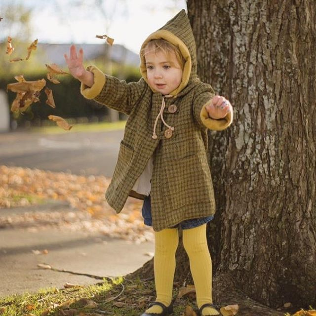 ~ Fly my pretties ~ Oh delicious autumn colours and a delicious girl playing in her Pixie Pea Coat.  Oh the glow is so cosy! 🍁💛🍂 📷 @alainasims