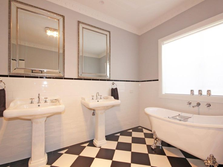 #Beautiful #Home in #Moana. Kevin J. Barry, Professionals Christies Beach real estate agency. 08 8382 3773. #Bath #ClawFoot #bathroom #HisAndHer