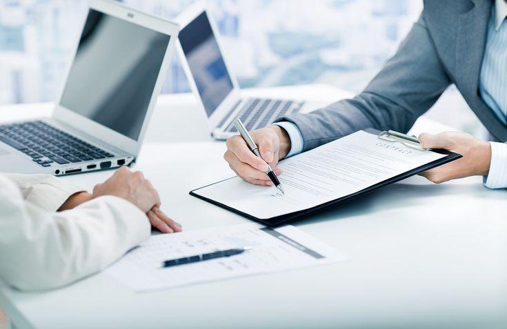 A cégalapításért és cégbejegyzésért illetéket kell fizetnie - ennek összegéről, valamint a cégalapítás menetéről olvashat az alábbi oldalon. #cégalapítás #ügyvéd #társaságiszerződés #cégbejegyzés #költség