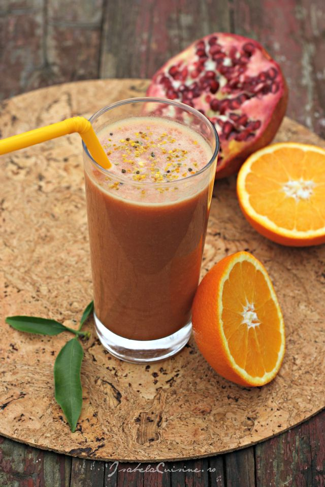 Suc din portocale, rodie si polen