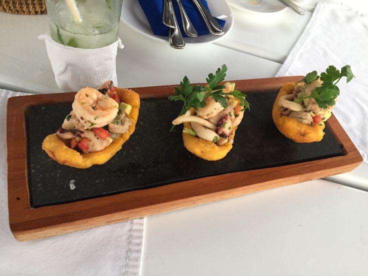 Canastas de patacón con ensalada del mar #galapagos