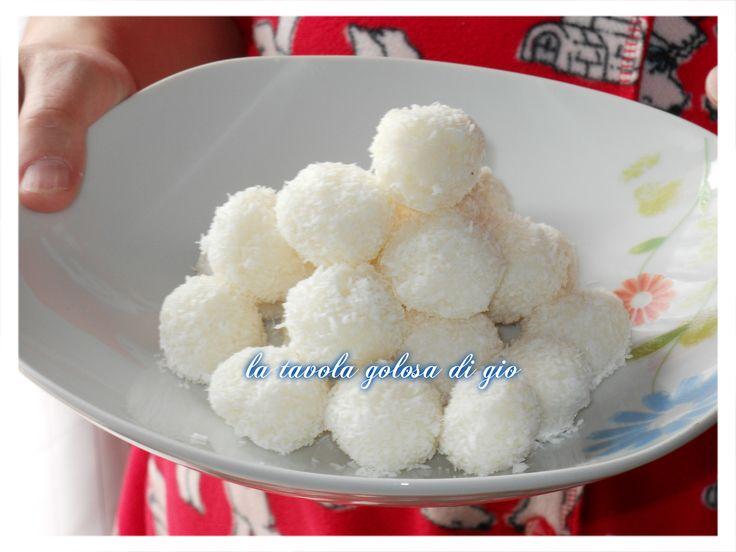 125 farina di cocco  125 zucchero semolato  250 ricotta fresca