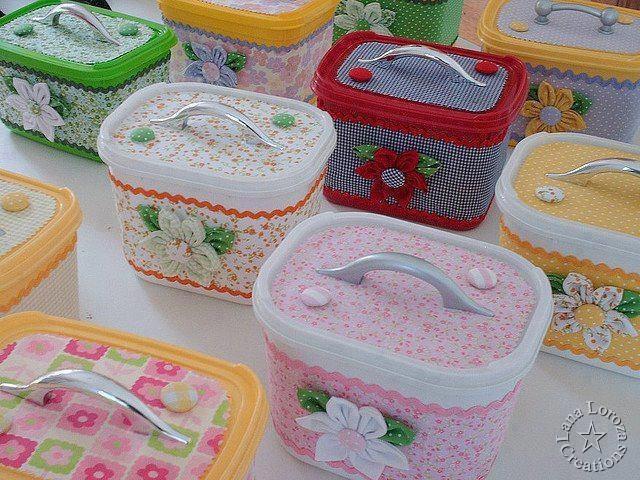 Detergent plastic containers
