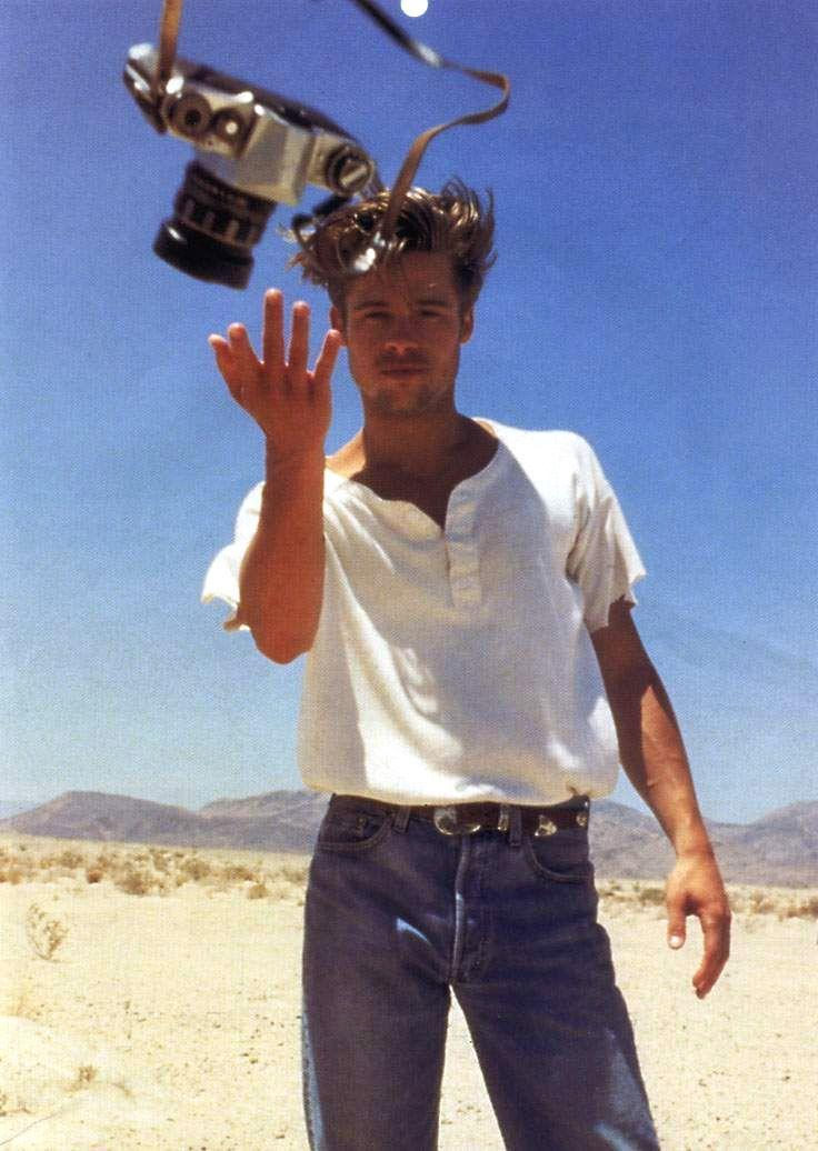 — 90s-v-i-b-e-s:   Brad Pitt Levi's 501 Commercial...