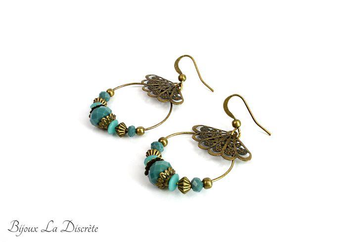 Boucles d'oreilles en métal couleur bronze avec perles turquoise et estampe