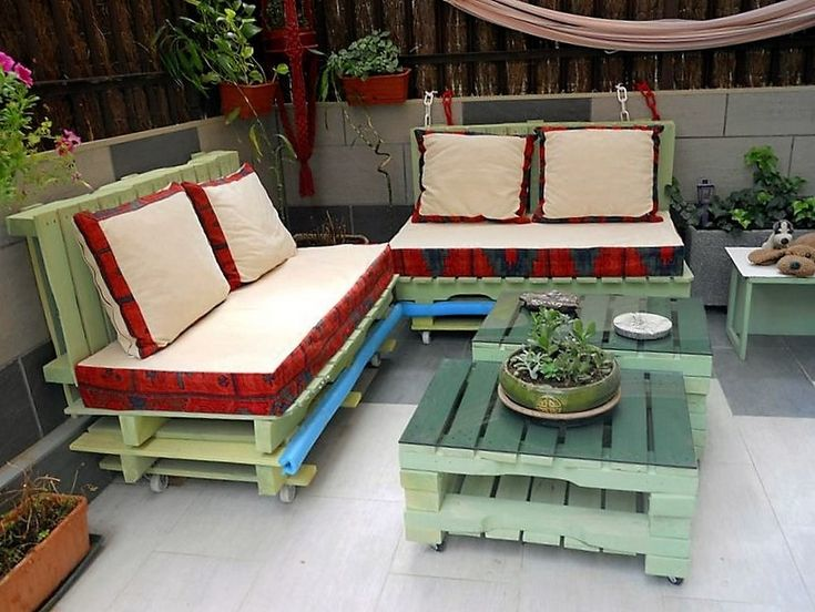 wood pallet repurposed furniture range that we have brought you right here is very well planned and could perfectly be called a comprehensive wooden pallet furniture range. Like it has got all those components after having which we don't need any supportive addition further. Like it has got a couch pair, matching tables and some more.