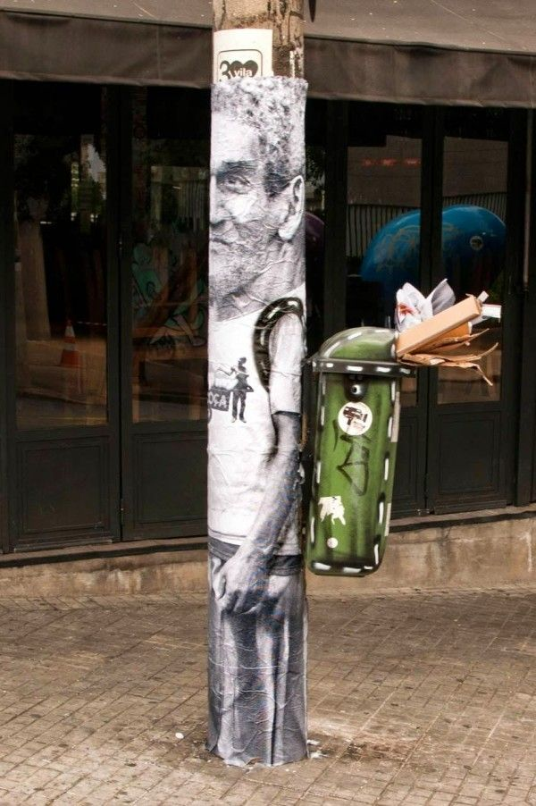 Trash Can Back Packs Bring Humor to the Busy Streets of Sao Paolo http://restreet.altervista.org/la-street-art-del-collettivo-mentalgassi/
