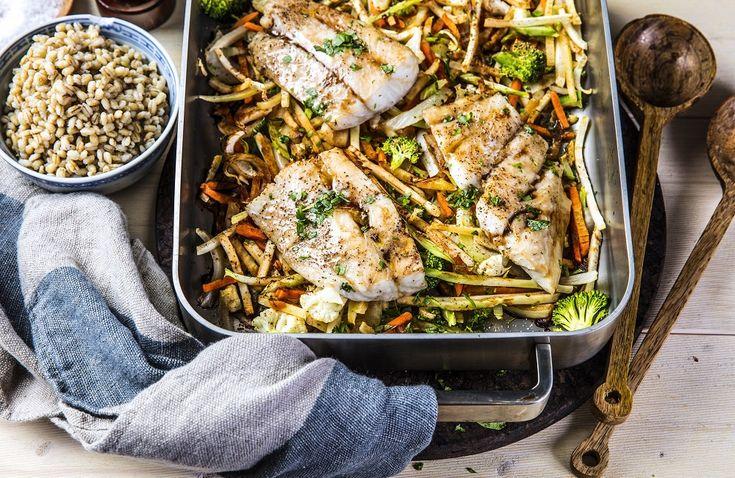 Soyabakt torsk med grønnsaker og byggkorn   Roede-kjøkkenet   Grete Roede