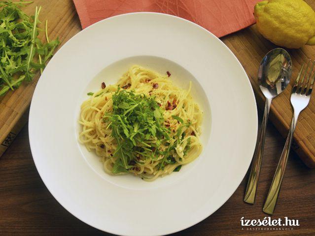 Citromos spagetti rukolával és juhsajttal