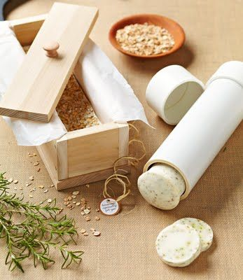 How to Make Your Own Wooden Soapmaking Mold for Cold Process Soap #crafts #DIY #natural_beauty #soap #soap_molds
