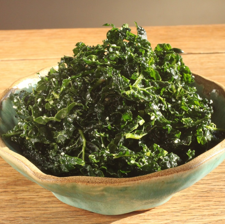 In Erika's Kitchen: Superfoods Month: Simple kale salad