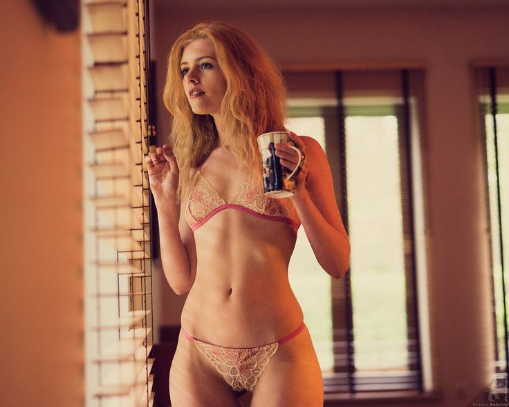 Fotograf: Tomasz Kałużny Modelka: Kate Ri MUA: Marta Lityńska Polub mnie na Facebooku: https://www.facebook.com/MartaLitynskaMSB  A to mój Instagram: https://instagram.com/martasarablanka