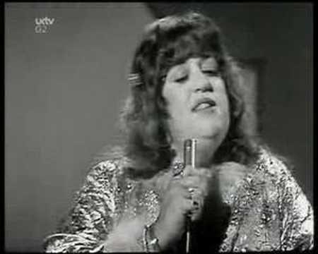 """Mama Cass Eliot - """"Dream a little dream of me"""" (1967, live)"""