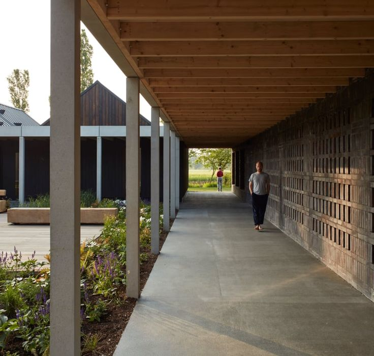 Walters & Cohen Architects , Will Scott, Dennis Gilbert · Vajrasana Buddhist Retreat