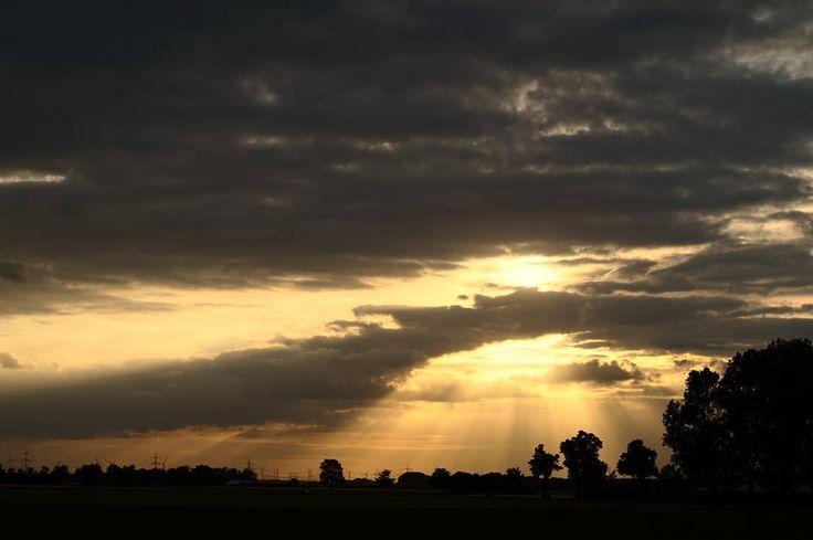 Sunset of the day #sunset #skyporn #clouds #niederzier #field #travel #hiking #wanderlust #spring #adventure #evening #photographer #potd #pictureoftheday #awesome #art #sonyalpha #sonyalpha5000 #oldlens #canonfd50mm #vintage #keinsinn