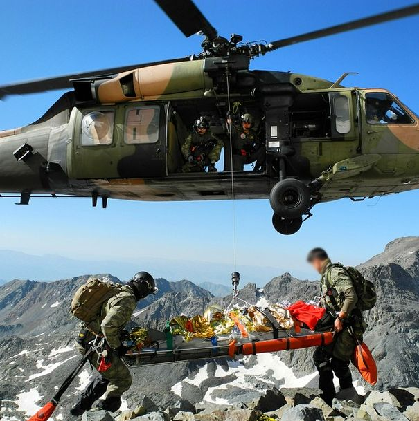 Turkish Special Forces - #Special #Forces Command aka #Bordo #Bereliler #CSAR unit #MEDEVAC rescue of a foreign mountainer in #Turkey #ÖKK #MAK