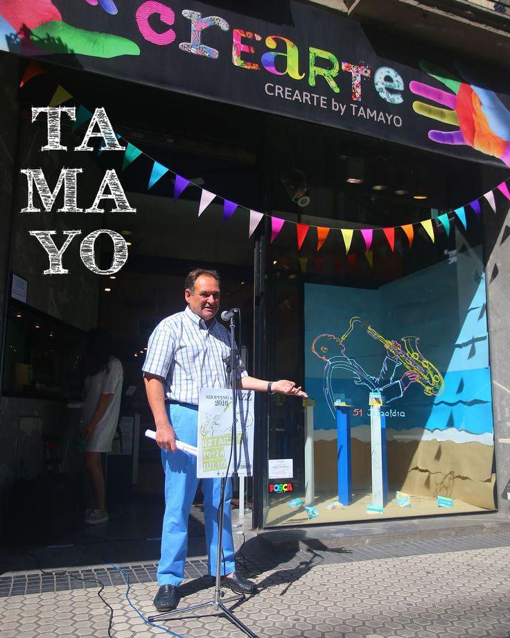 Insistimos. Prepara tus rotuladores #posca comprados en #Tamayopapeleria y demuestranos en los escaparates de #Donostia #SanSebastian lo bien que dibujas. La gente de @snsebastianshop busca ilustradores o personas que se les dé bien dibujar para pintar los escaparates de las tiendas con el tema del #Jazzaldia y que además quieran participar en el II Concurso Jazz Margotu con un premio de 150. Contáctales! Más info en este link http://ift.tt/2tllISl Participa!