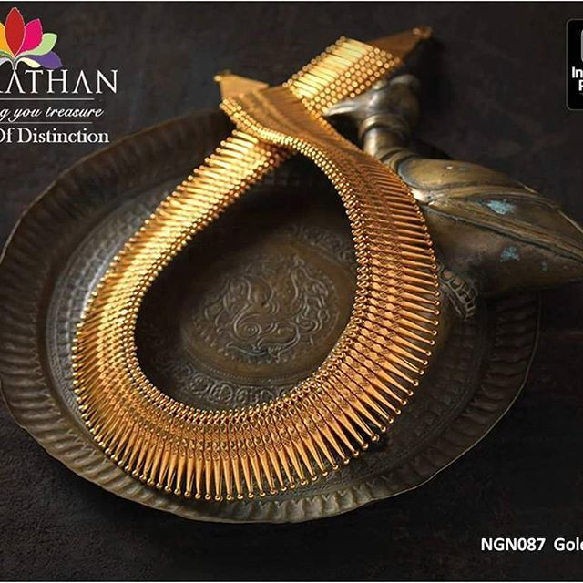 http://navrathan.com/necklaces/ Dress to the nines with this scene-stealing #goldnecklace set that is steeped in #tradition and inspired by contemporary styles, Navrathan Jewellers presents a treasure-trove of jewellery that appeals to the neo-classical princess within you.
