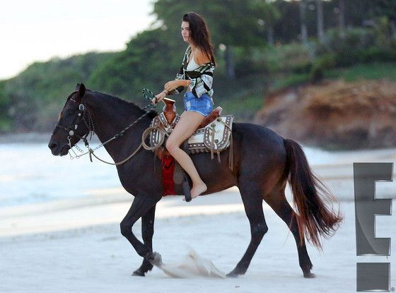 Kendall and Kylie Jenner Saddle Up in Bikinis While Riding Horses Along the Coast of Mexico - See the Hot Pics! | E! Online Mobile