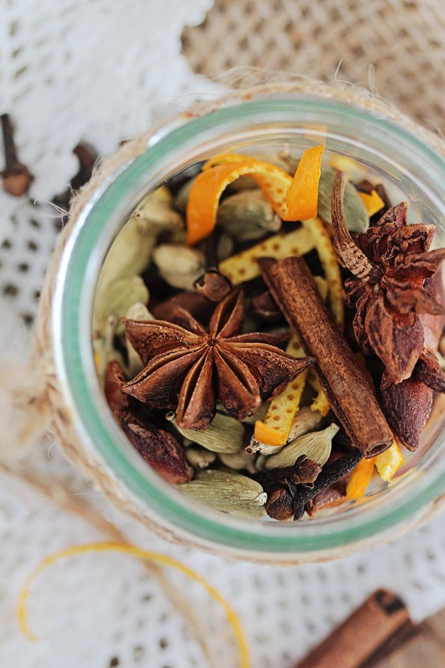 DIY homemade mulling spices | warm up with a spiced glass of mulled wine or cider.