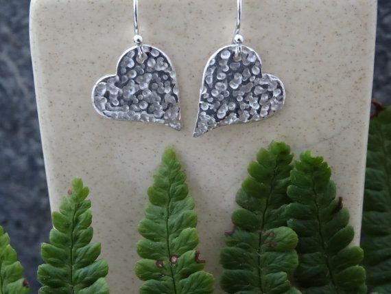 Minimal earrings Silver Heart Drop earrings hammered https://www.etsy.com/uk/listing/251895246/minimal-earrings-silver-heart-drop?ref=listing-shop-header-2