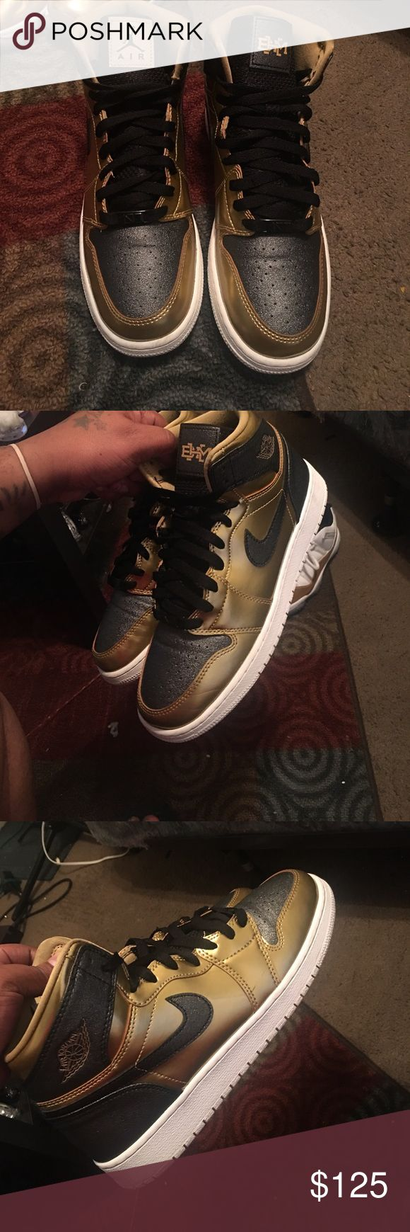 BHM 1s💪🏽💯 Black history retro mid 1s 2017 condition is great 8-10 Jordan Shoes Sneakers
