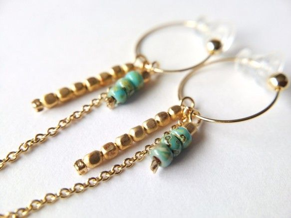 Would love to make these cute earrings in all different colors (with silver instead of gold too)!