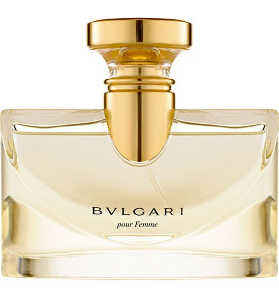 Bvlgari Pour Femme is a feminine classic which will adorn you just like precious jewellery. The delicate floral bouquet opens with bergamot, violet leaves and orange blossom. In the heart dwells luminous jasmine Sambac picked at dawn, when its scent is romantically soft. Jasmine is followed by sensual mimosa and always feminine rose