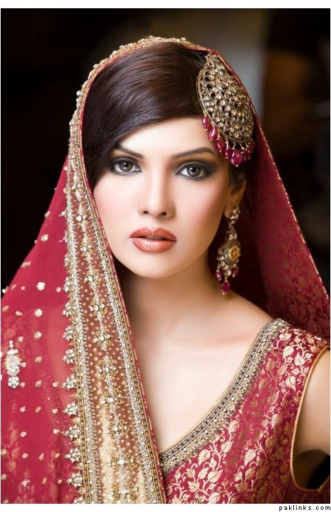Mona Liza, Pakistani actress; she could so easily be from any western country. Does this mean that white, western women are considered the ideal in terms of beauty, I wonder?
