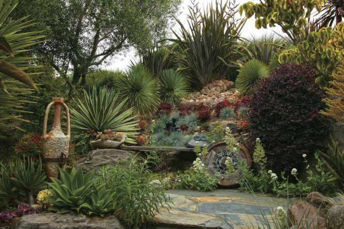 Garden Design Tips Using Texture Extremes Garden Design Amazing Gardens Gardening Photography