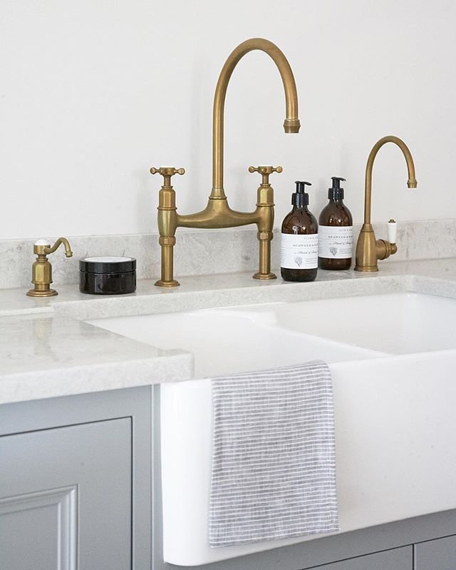 Perrin & Rowe x H M  We love the new antique brass Ionian tap by Perrin & Rowe in the Longford kitchen in our Felsted showroom especially as it has the soap dispenser and Parthian hot water also finished in antique brass. The soaps and hand scrub you can see are by the fantastic Plum & Ashby - their seaweed and samphire is incredible - we love it! We are very privileged to work with such brilliant companies - we really love what we do here and we love it when collaborations come together in…