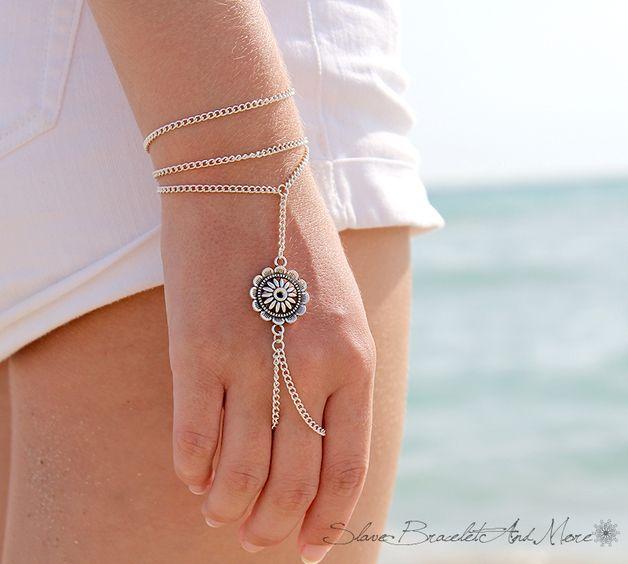 Silbernes Armband, Boho Look für den Sommer / silver bracelet, hippie style made by SlaveBracelets via DaWanda.com