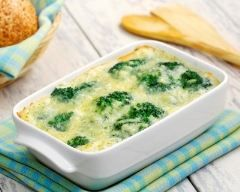 Gratin de brocolis et de pommes de terre http://www.cuisineaz.com/recettes/gratin-de-brocolis-et-de-pommes-de-terre-5843.aspx
