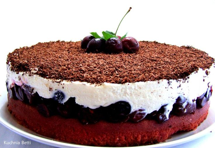 #Cherry #cake with #mascarpone and #chocolate  Kuchnia Betti: Wiśniowy torcik z mascarpone i #czekoladą